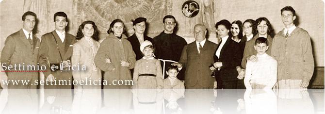 Foto della famiglia Manelli al completo verso il 1955